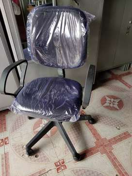 40 Office Chair or Executive Chair brand new packed piece