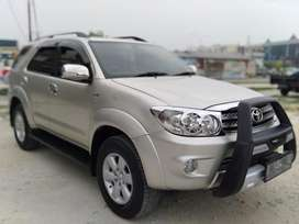 Fortuner g manual th 2011, km low