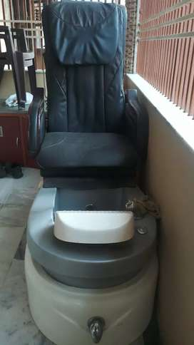 Manicure Padicure chair for Professional Parlour