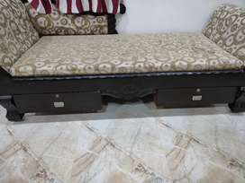 Maharaja Dewan with Mattres and storage boxes
