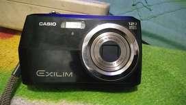 Kamera digital batangan..
