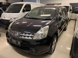 Grand Livina 2010, DP 11 jt, siap pakai terawat nissan mobil hitam