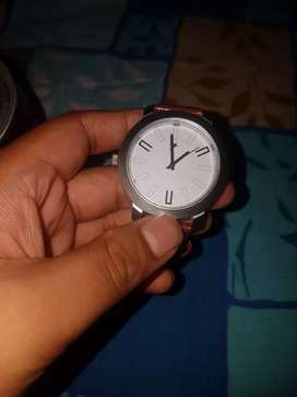 Fastrack watch..original price 1400,now giving in 650..