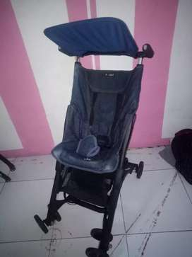 Stroller pockit jeans