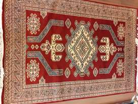 Pakistani handmade carpets in the size of 4x6
