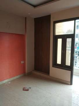 Ready to Move 2 BHK Builder Floor Flats for Sale in Sector 110 Noida