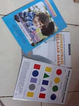 Buku untuk konsentrasi , peran ayah dan instrumen kontrol