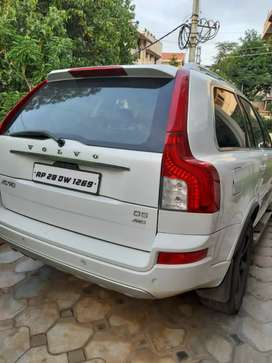 Volvo xc90 D5 AWD topend better than gl x5 q7 x3  in price fortuner
