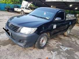 Toyota Hilux Pick Up 4x2 manual tahun 2015