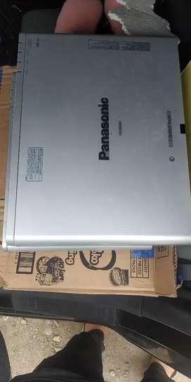 Infokus / Proyektor Panasonic PT 300 / 200