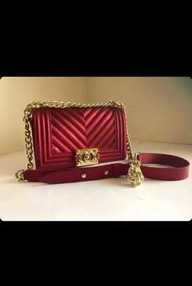 Red handbag/purse with gold details