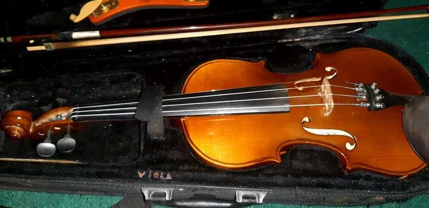 Dijual violin tahun 2001 0