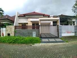 Rumah Baru Luas 180 di Golf Araya kota Malang _ 355.20