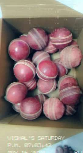 Season cricket balls semi new excellent condition 150 rs for each ball