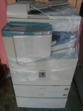 Canon ir3300 xerox machine in excellent condition