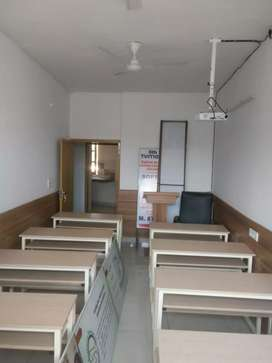 Learning centre or tution centre with projector on Rent