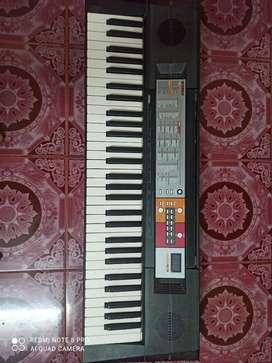 Yamaha F50 key board