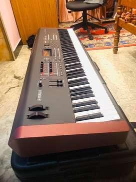 Yamaha MOXF8 Piano keys