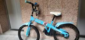Kids Bicycle in Excellent Condition. Height Adjustable.