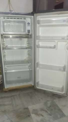 Single door 190 ltrs refrigerator, 6 years old