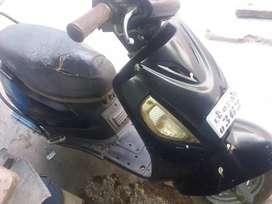 Suzuki  Scooty  bechna h 16500  me 2011 model  h