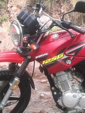 Yamaha ybr 125G(red colour) special edition