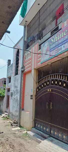3 floor house well mantain n near market in kandwa chitaipur