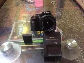 Nikon DSLR 5200 wid kit lens
