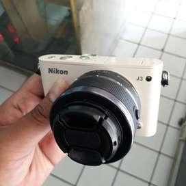 Nikon 1 J3 Lensa 10-30mm VR