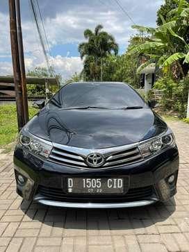 Toyota Altis V 2014 Hitam Mulus Terawat