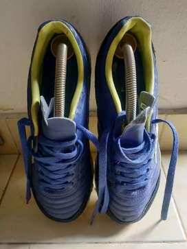 Sepatu Specs metasala