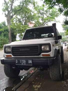 JUAL Daihatsu taft rocky 4×4 1992 orsinil standard