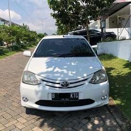 Toyota Etios Liva 2013 1.5 LOW KM 5.xxx!!!