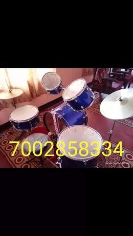Musical instruments drum set 100% new.