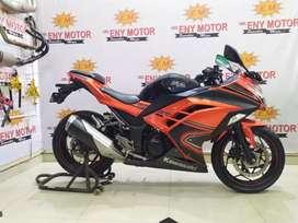 Merapat sikat ! Kawasaki Ninja 250 FI ABS SE Th 2014 plat panjang gas