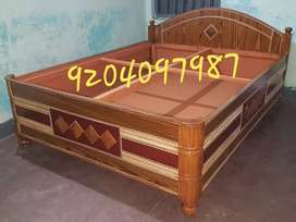Very beautiful bed size 5/6.5.totally new bed