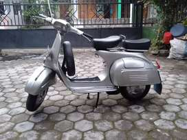 Vespa sprint latin 68