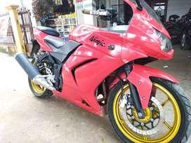 Kawasaki ninja 250 merah