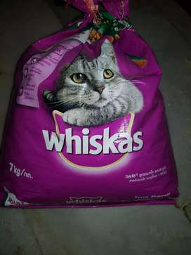 Whiskas food 7kg for Rs 700