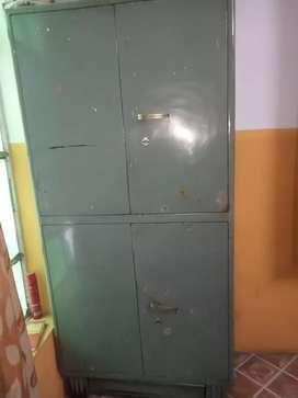 Almira dubble door