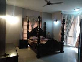 4 Bedroom Paint House Is Available For Rent