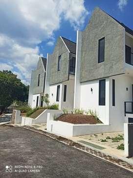 Rumah Mewah Siap Huni Strategis Di Pasir Impun,Bandung