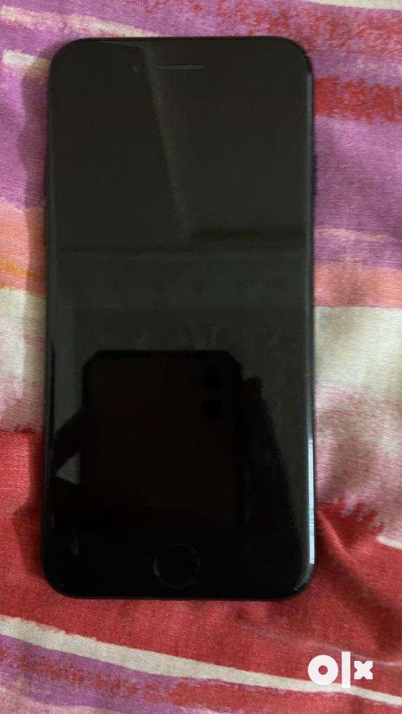 Iphone 7 128gb jet black colour