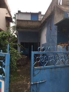 Indipendent 2bhk house with car parking
