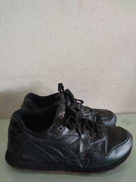 sepatu Diadora N.92 Classic hitam kulit original (size 41)
