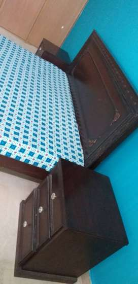 Double bed with side tables without foam