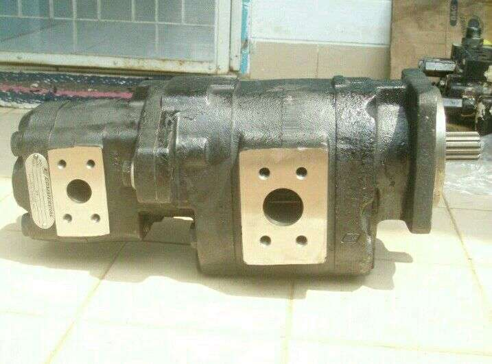 Parker hydraulic double pump PGP076+PGP51 0