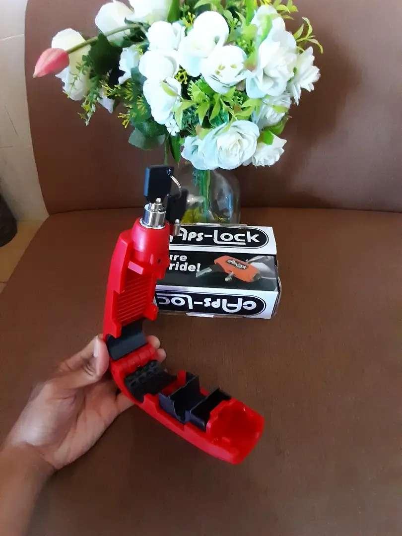 Gembok kunci rem / kunci anti maling sepeda motor