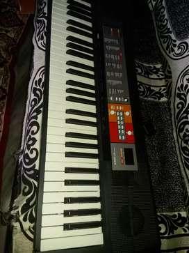 Yamaha F50 psr piano
