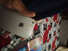 I phone 5s 12 gb silver only for spare parts uses